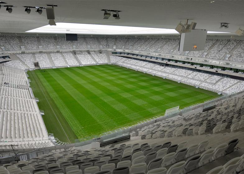 Bordeaux-Stadium_Herzog_de-Meuron_dezeen_784_3